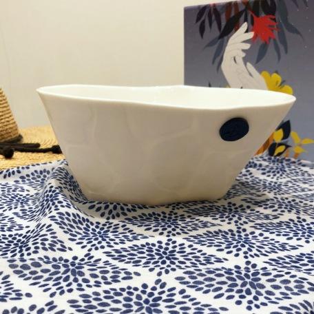 Elephantom.Design Small texturized salad bowl - Porcelain - 19 cm - Handmade • Sea Ice