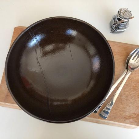 elephantom-design-embossed-satin-salad-bowl-brown-stoneware-handmade-cocoa