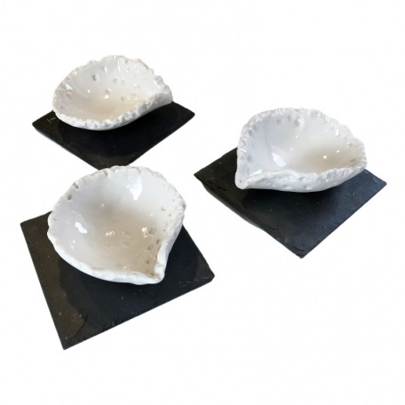 Elephantom Design GIFT BOX - Set of 3 small porcelain dips bowls and their slates - Made by hand
