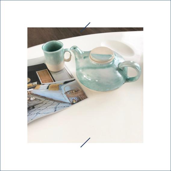Elephantom.Design théière et tasse à thé en grès fait main